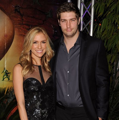 Kristin Cavallari Wants Jay Cutler to Give Her $5 Million So She Can Buy a Mansion; Cutler Freezes His Accounts So She Can't Access Them and Tells Her to Get a Job (Court Docs-Vids) https://t.co/YAn7IcQ7V4 https://t.co/qj5qat3Xh4