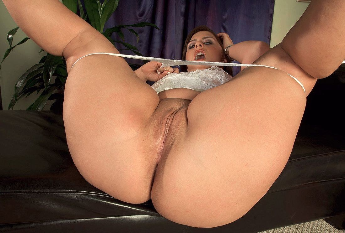 Fat Ass And Pussy Spreads