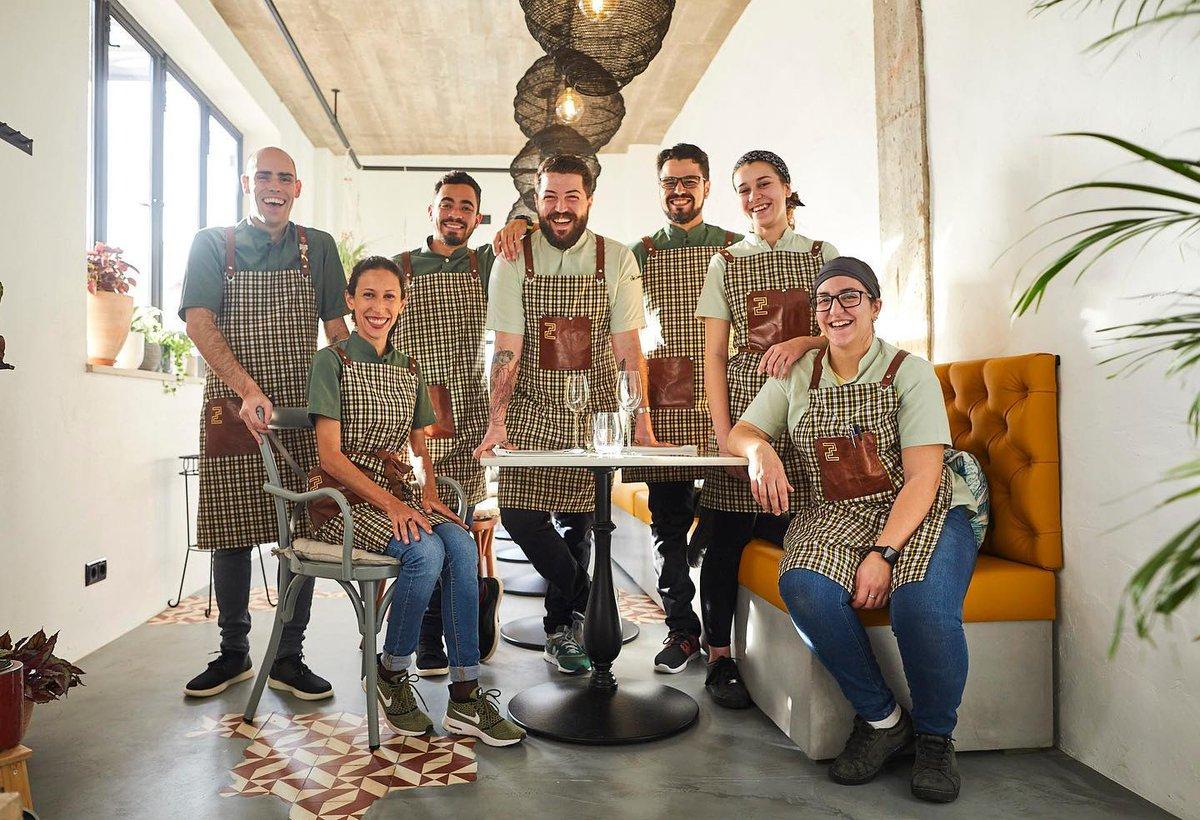 Tervetuloa tänään klo 19 portugalilaisen ruuan maailmaan online! Vietä lauantai-ilta maukkaan ruuan parissa Pontoksen portfolioyhtiön @ombriaresort'in ja paikallisen ravintolan Cafeziquen vinkkien kera 🍲✨ Resepti ja linkki tapahtumaan alla. #PontosPortfolio