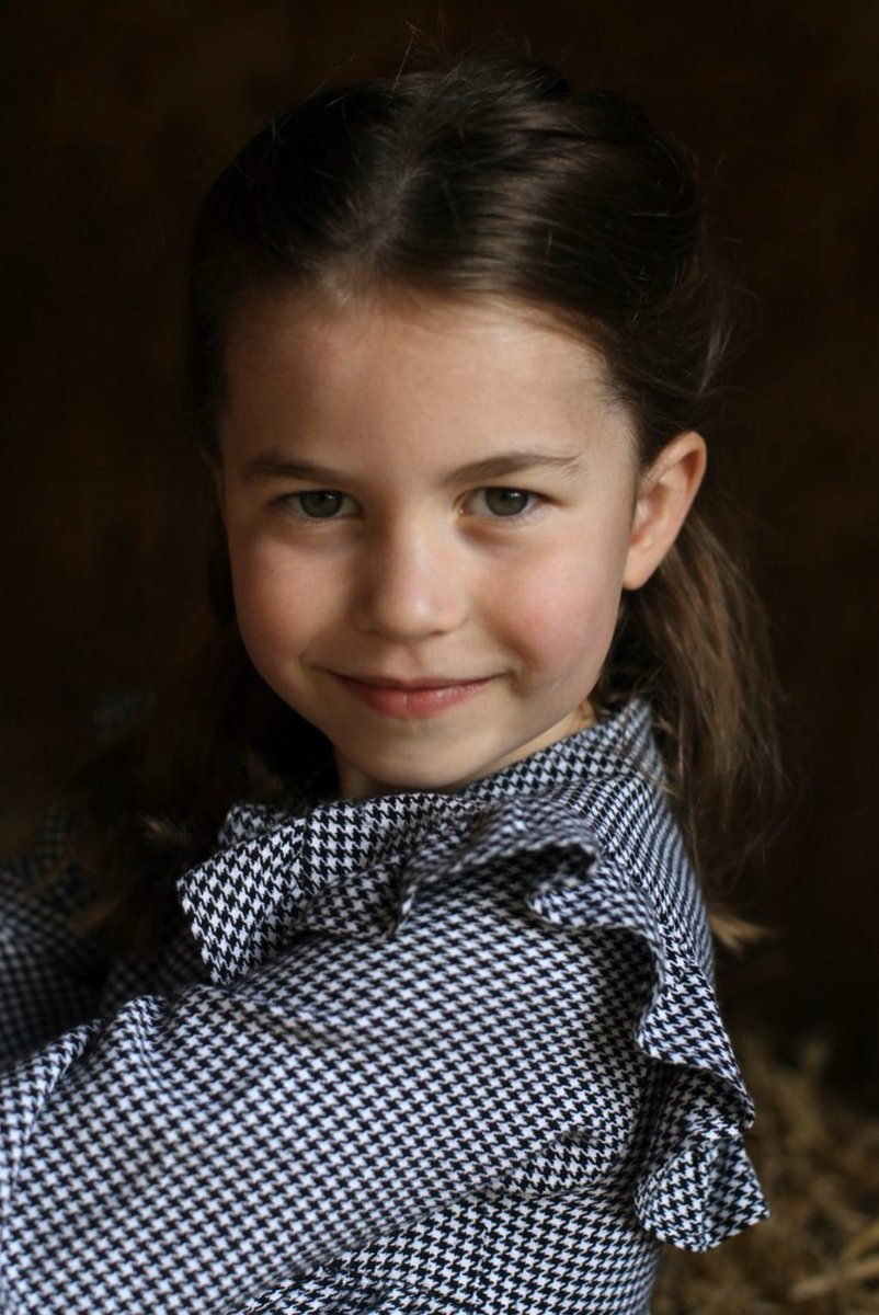 Here's a beautiful photo of Princess Charlotte turning 5 years old today. ❤️