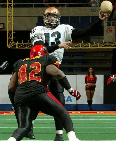 #FlashBackFriday to ArenaBowl VIII MVP, Two-Time World Champion 🏆🏆, and AFL Hall of Famer: Quarterback Sherdrick Bonner #StrikeAsOne  Comment your favorite memory of this Rattlers legend below! 🐍 https://t.co/AhdAZLV2vu