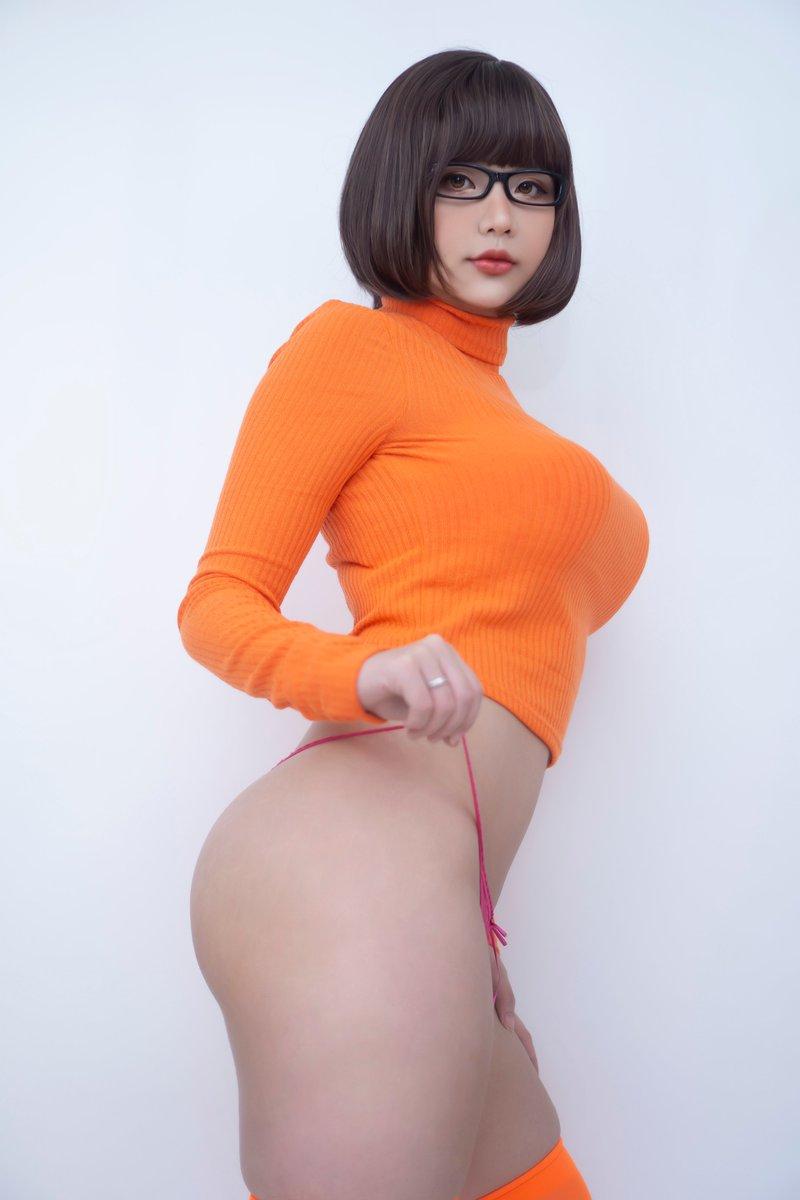 Hana Bunny Velma Dinkley Cosplay