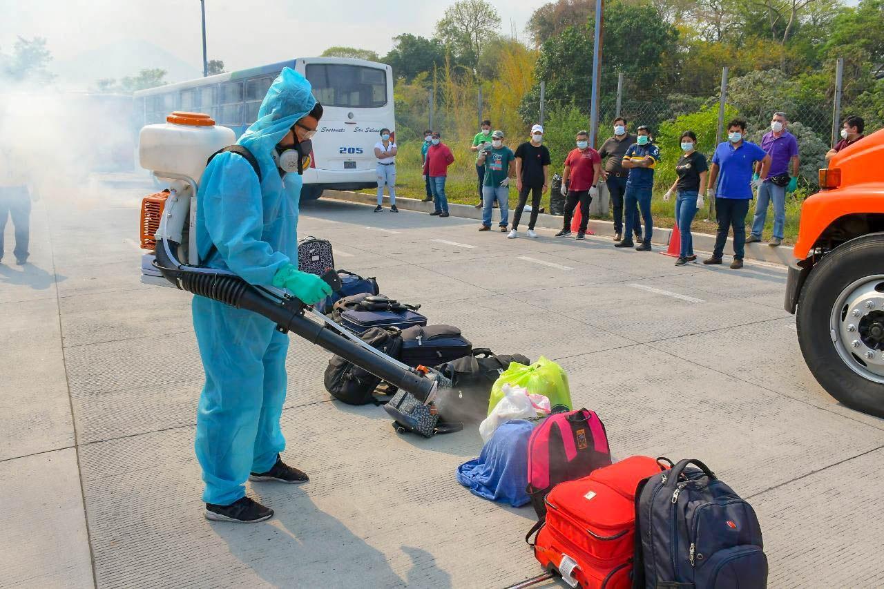 """""""Varados"""" en EEUU, Guatemala y Honduras retornan al país"""