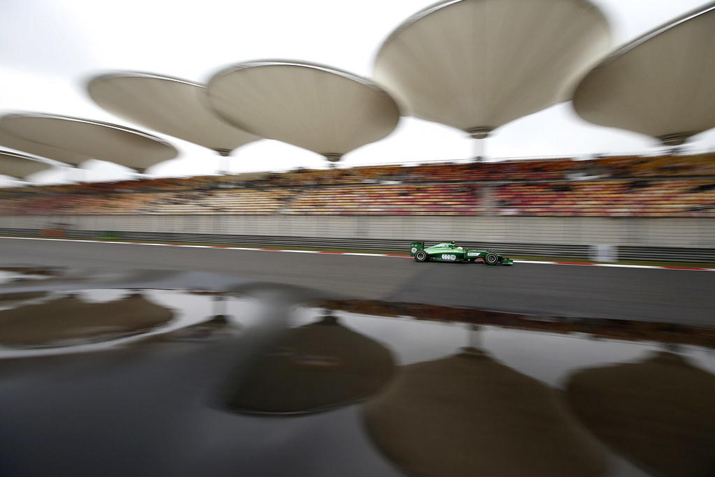 #OnThisDay 6 years ago Lewis Hamilton won the #ChineseGP, from pole. His Merc team-mate Nico Rosberg finished 2nd & drove fastest lap. I'm struggling to remember much else to say about the race, so here's a superb Glenn Dunbar pic of Marcus Ericsson's Caterham during wet quali. https://t.co/aZWfkZuNHq