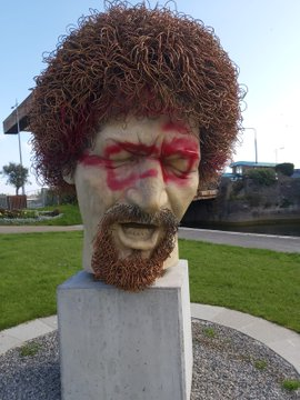 Luke Kelly Statue vandalised with spray paint