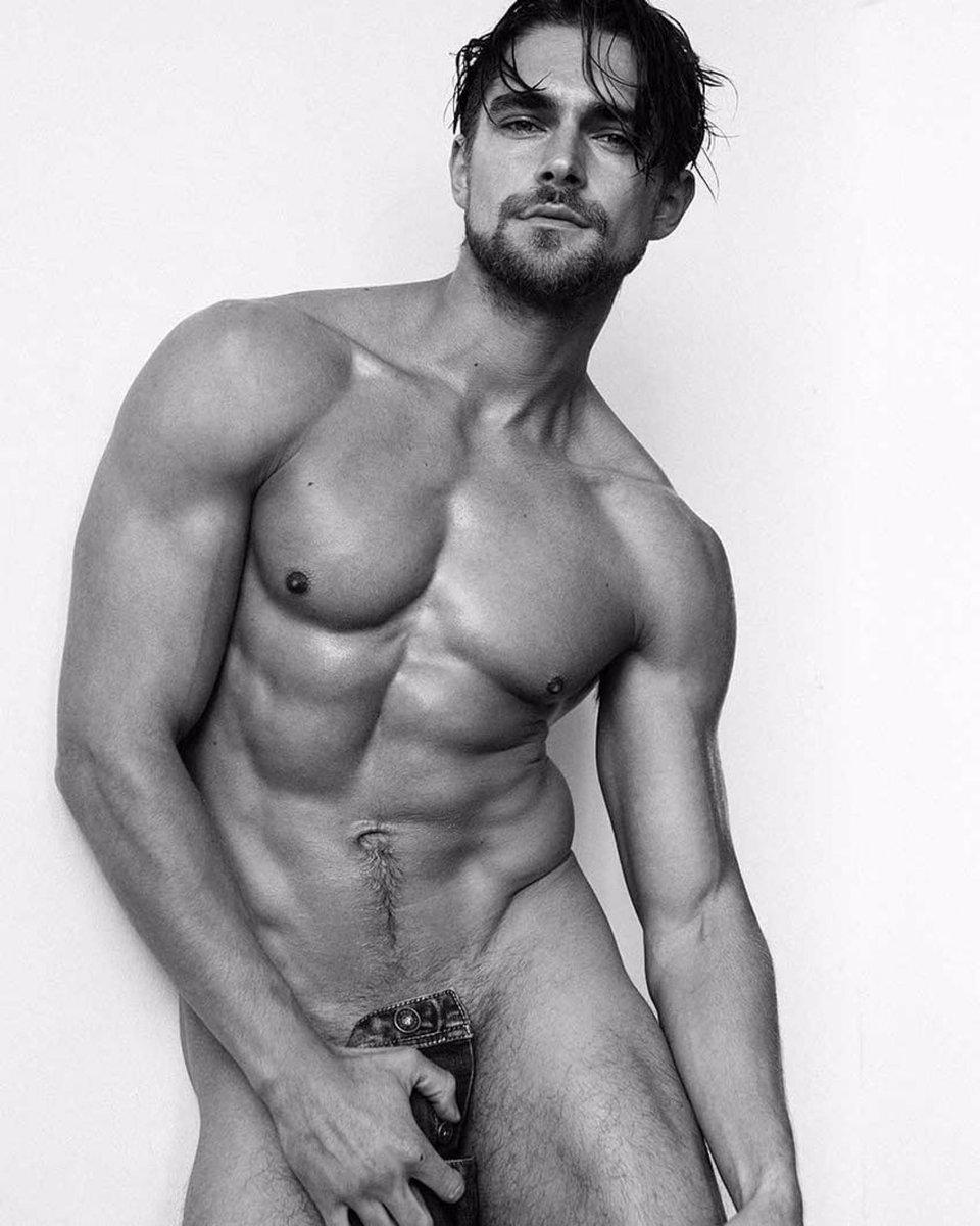 Pics Of Nude Straight Boys