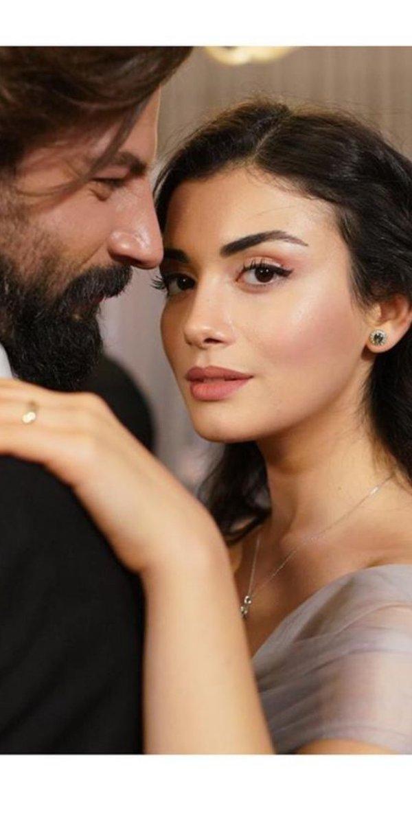 Yemin pra mim acabou! Acabou na 2t. 😔 Pra você #ÖzgeYağız e #GökberkDemirci muito sucesso!! Vocês foram encantadores.. formaram um casal perfeito, e interpretaram perfeitamente o papel de vocês. Parabéns! #vousentirsaudades 🐻🐣♥️