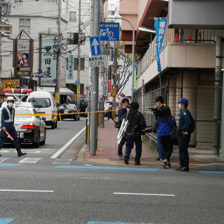 大橋駅付近のうなぎの黒田屋で女児を人質にとり立てこもっている現場の画像