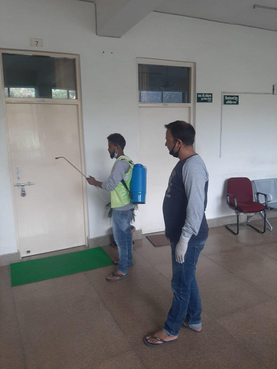 Lockdown Period में Uttarakhand Forest Department के द्वारा Forest Headquarter, Dehradun  में sanitization  का कार्य पूर्ण किया गया l #Stay Home, Stay Safe#UKFD https://t.co/M3FvuBavAK