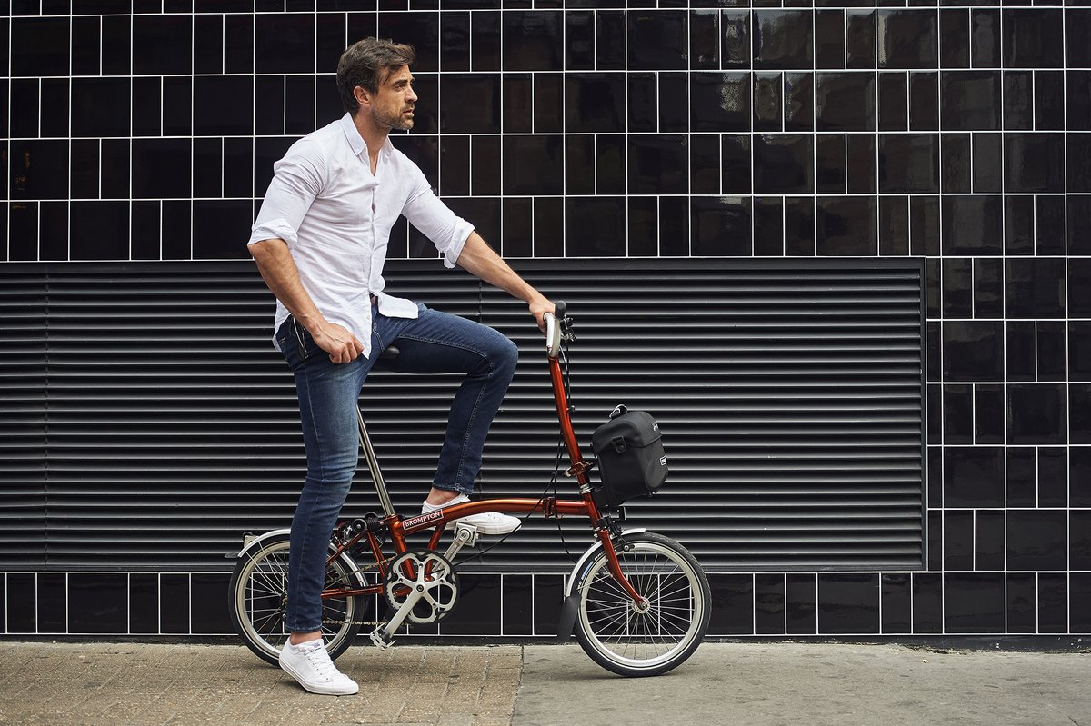 .@BromptonBicycle - now available for home delivery from @EvansCycles   🚲 See all models at https://t.co/NkD64pJGzR https://t.co/eQFBm0xdZU