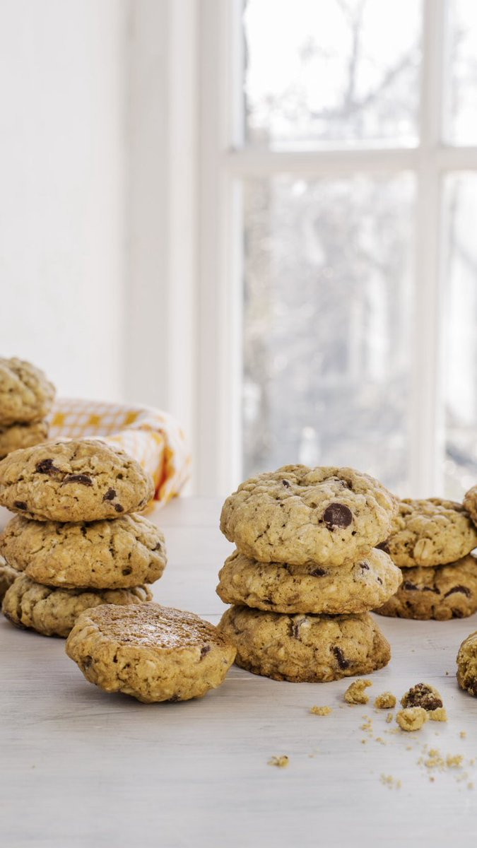 Try these brilliant bakes to keep your budding bakers busy. Choose from a yummy gluten-free Carrot Cake,🥕Choc Chip Cookies🍪, Banana Bread,🍌 Fruit Muffins🍓and a zesty Lemon Cake.🍋 #littledishfamilycookbook #stayhome Here's how: https://t.co/fG1FXJW52Y https://t.co/7tdOoSGTIz