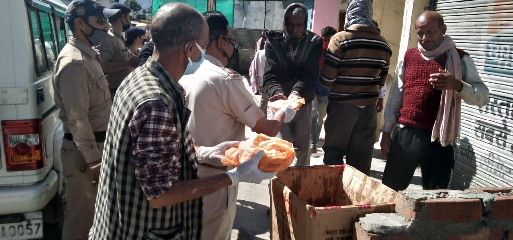 An average of 100 labourers were provided two times freshly cooked food daily for 18 days by the voulenteers of Uttarkashi Forest Division in lockdown Period...  #Uttarkashi Forest  Division#UKFD https://t.co/sHdaFmHEvN