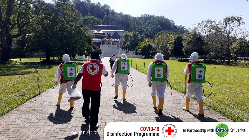 The Sri Lanka Red Cross Society resumed its Disinfection Programme, in partnership with Dettol Sri Lanka, within the public areas of Puttalam, Gampaha, Kalutara and Kandy today.  #COVID19SL #Coronavirus #Disinfection https://t.co/XwBTTE9AEz