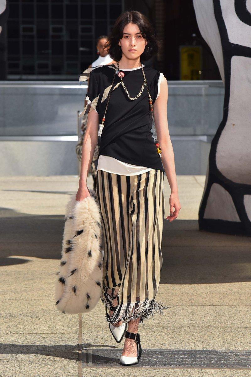 Spots and stripes #MonseMaison RESORT 2020  #infurmagazine #infurmag #magazine #fashion #furs #fur #ootd #luxuryfur #furfashion #style #fashionista #streetstyle #fashionstyle #styleinspo #wiwt #streetfashion #resort #dresscode #nyfw #newyorkfashionweekpic.twitter.com/hTTL36ZZh8