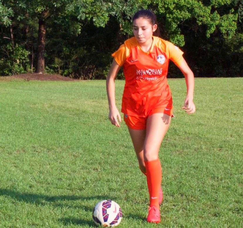 Welcome Vanessa Aragon who is from Houston, TX and played club for Houston Dash DA. Welcome to the team, Vanessa! #fangsout