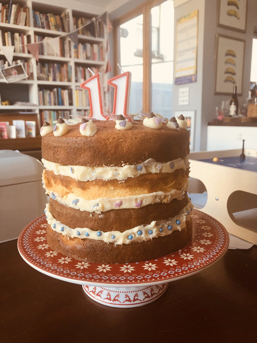 Excellent Roisin Ingle On Twitter The 11 Year Olds Made A Birthday Cake Funny Birthday Cards Online Elaedamsfinfo