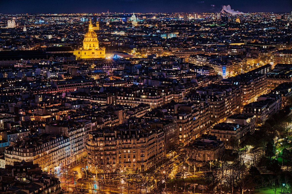 Paris at nighttime.  The Eiffel closes pretty late at 11 pm in summer time - at least last year.  Actually the best levels to enjoy the views are the lower 2. #latoureiffel #eiffeltower #igparis #travelparis #travelfrance #lostinresfeber #timchangphotographypic.twitter.com/LASQYuor1x