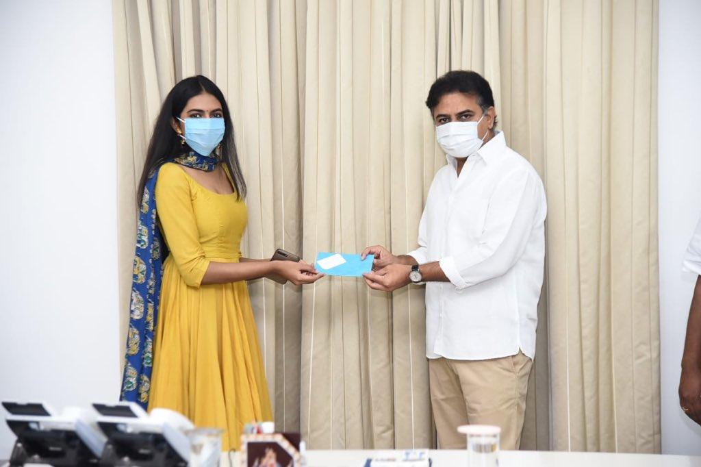 On the occasion of my sister @ShivathmikaR 's Birthday 2day, v met hon'ble @KTRTRS garu and gav a donation of Rs.1 lakh each to the #CMReliefFund for #coronacrisis . Also met #talasanisrinivasyadav garu.