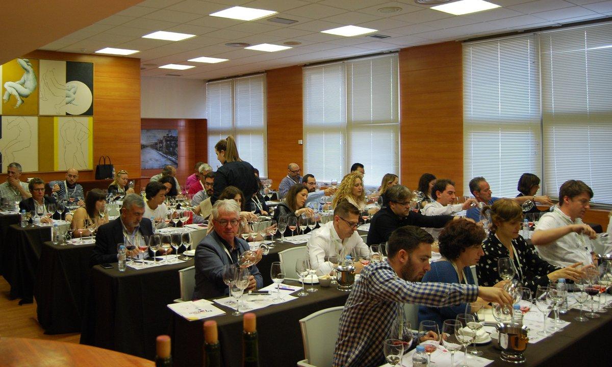 El congreso #Enoforum será transmitido en vivo por internet del 6 al 7 de mayo. Laboratorios Excell Ibérica premia con 2.500 euros la mejor comunicación de #investigación para el desarrollo tecnológico vitivinícola. https://t.co/K67TQLpVzh #riojawine #vinoderioja https://t.co/xejf01xAYB