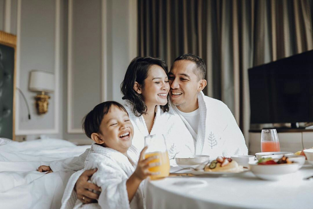 Plan Ahead. Purchase your pre-buy voucher now and enjoy your stay anytime between 1 Jun - 30 Dec 2020. Each nightly voucher at IDR 2,000,000 nett including breakfast for two.  For more informations and reservations, please call +6221 2277 1888 or #FSChat us through WhatsApp https://t.co/9EAsc4nVr6