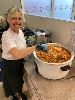 Great work continues @Oasis_UK & the team @oasishuboldham producing & delivering Mexican bean chilli for lunch to families identified by 5 academies across Oldham and Salford, supported by the fabulous team from @QuornFoods thank you for what you are do in these challenging times