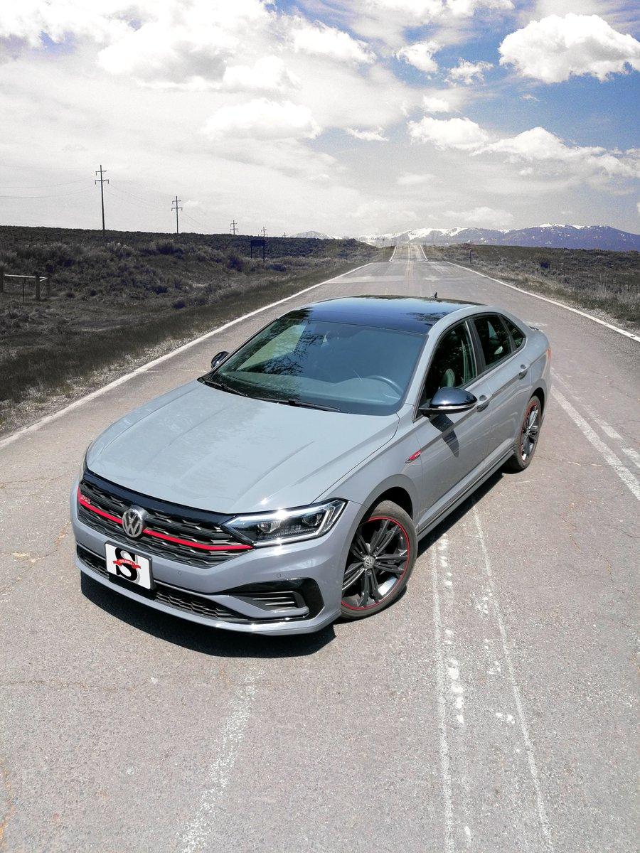 #OnWheels   @Volkswagen_MX Jetta GLI 2020 la séptima generación del compacto alemán, rockea por el lado que lo veas. 🤟 bit.ly/JettaGLI20