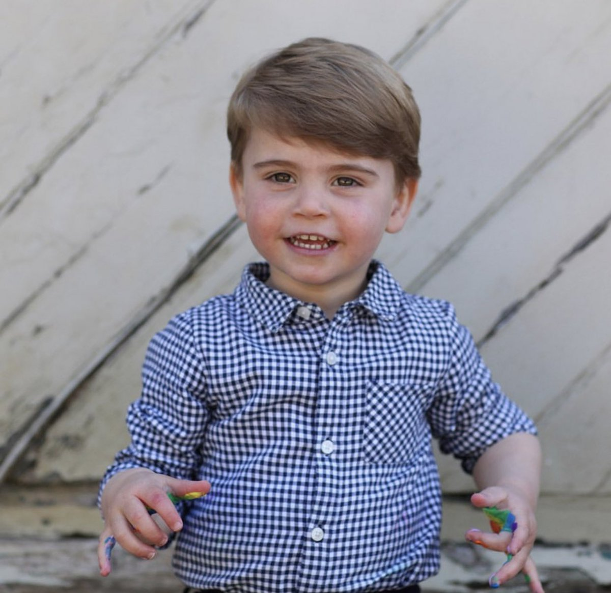 Here's an adorable photo ahead of Prince Louis second birthday, tomorrow. ❤️
