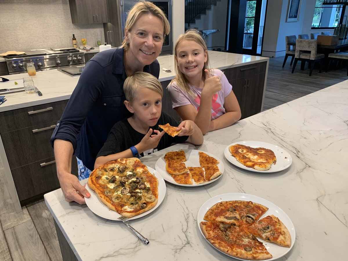 Thumbs 👍 up for our home made pizzas 🍕 #familyfun #cooktogether