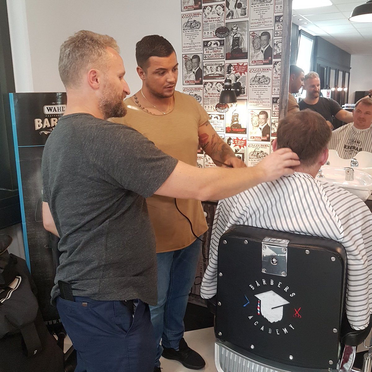 Creating the future generation of barbers... Legends Style Check out our academy:  http://www.thelegendsbarbershop.com/academy #barbercourses #barbereducation #barberingpic.twitter.com/PjQzcdjGMS