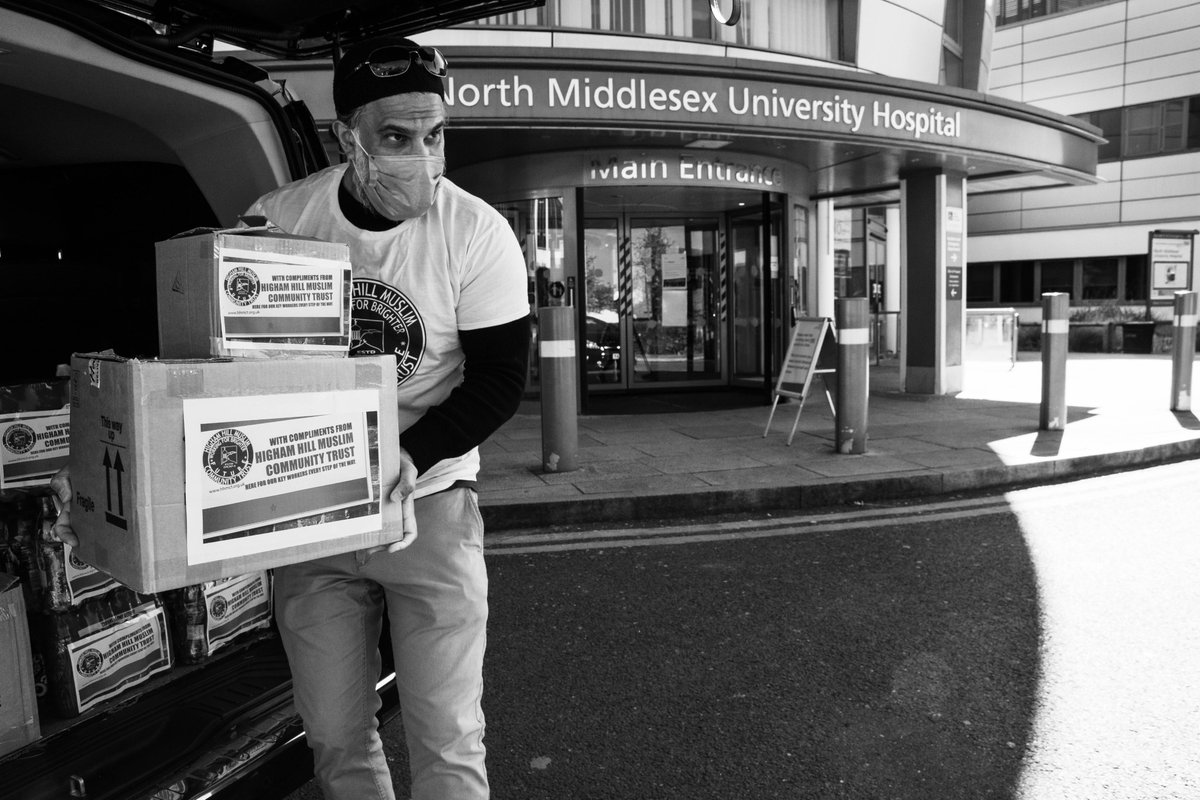 Delivered a batch of toiletries and drinks to the #NHSHeroes at @NorthMidNHS. Huge thanks to @British_Airways for the generous donations and all our donors for their support!  Encourage friends and family to contribute: https://t.co/qvGk8jlypQ  #BATogether #KindnessTravels https://t.co/21rOW3Nhue