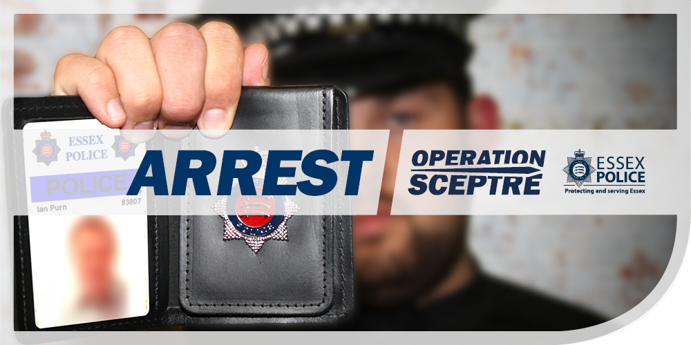 Yesterday our Town Centre officers working with @BTPEssex found two females acting suspiciously in #Leigh at 10pm. One was found with a hammer and arrested for possession of an offensive weapon. - NB #TCT #ProtectingAndServingEssex #OpSceptre