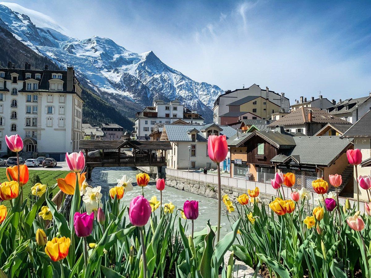Springtime in #Chamonix ☀️🌷