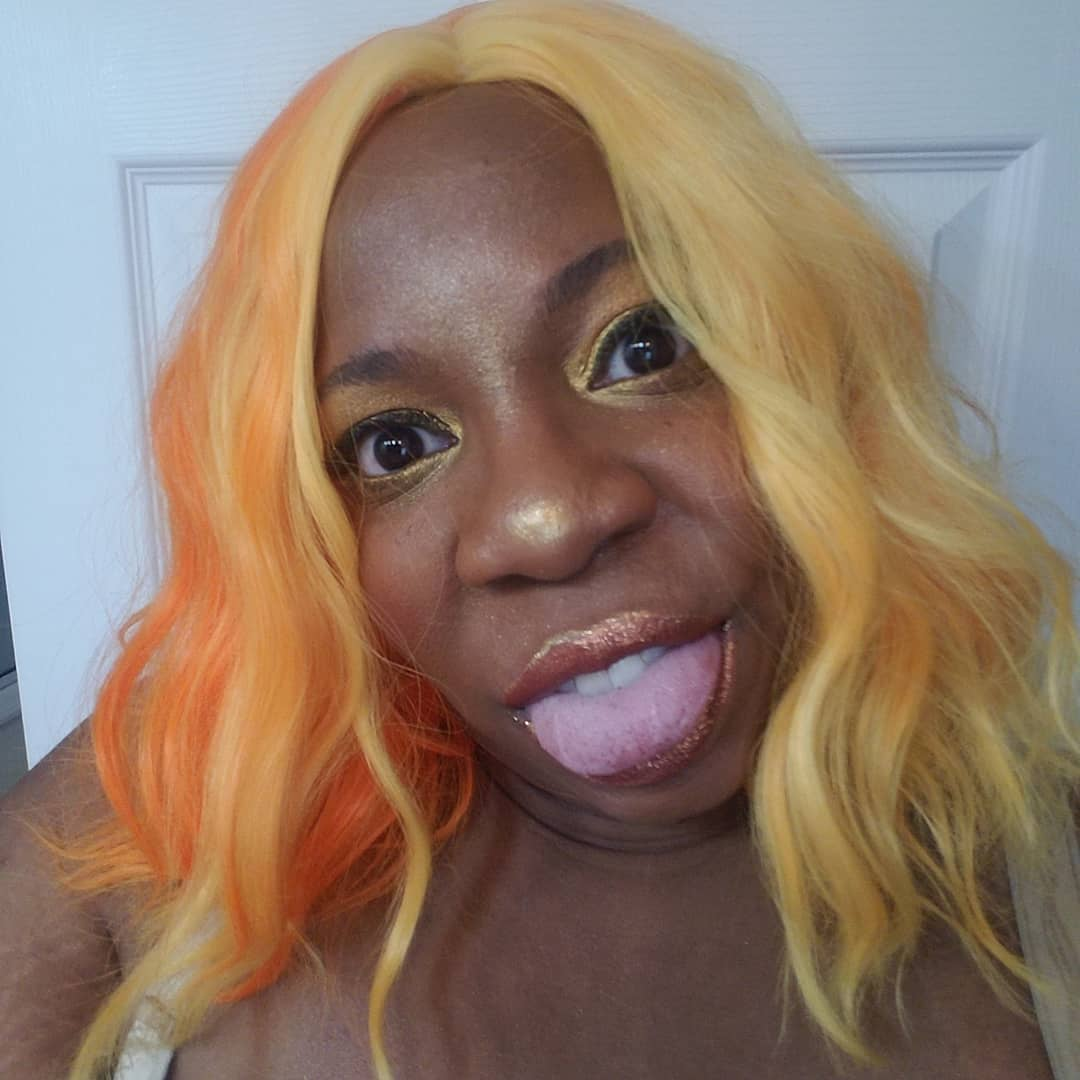Because there's always at least one!  #TonguesOut #Golden #sunkissed #yelloworange #cute #wig #newwigwhodis #BreakNormal #BreakingNormal #BlackGirlMagicpic.twitter.com/mUt4kTNd3I
