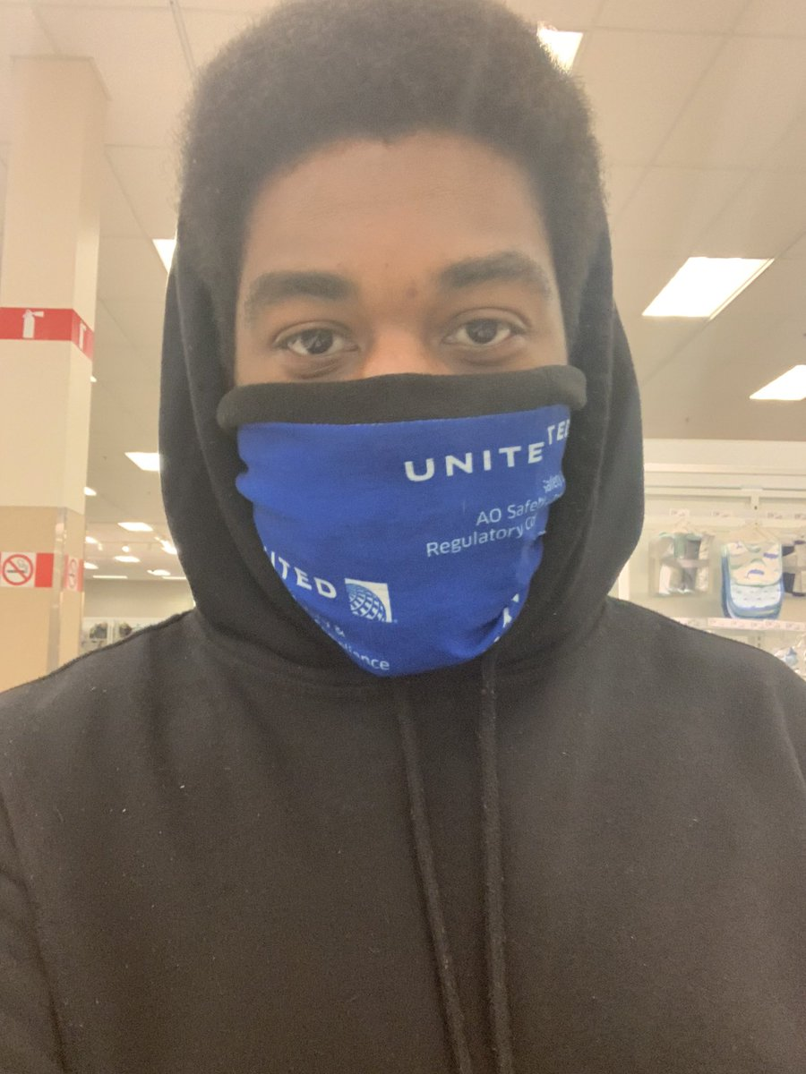 Rocking my United cold gear as a mask! @weareunited #AOSafety #Facemask #UnitedAirlines #Covid_19