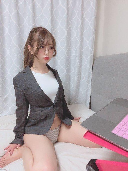 グラビアアイドル麻倉ひな子のTwitter自撮りエロ画像1