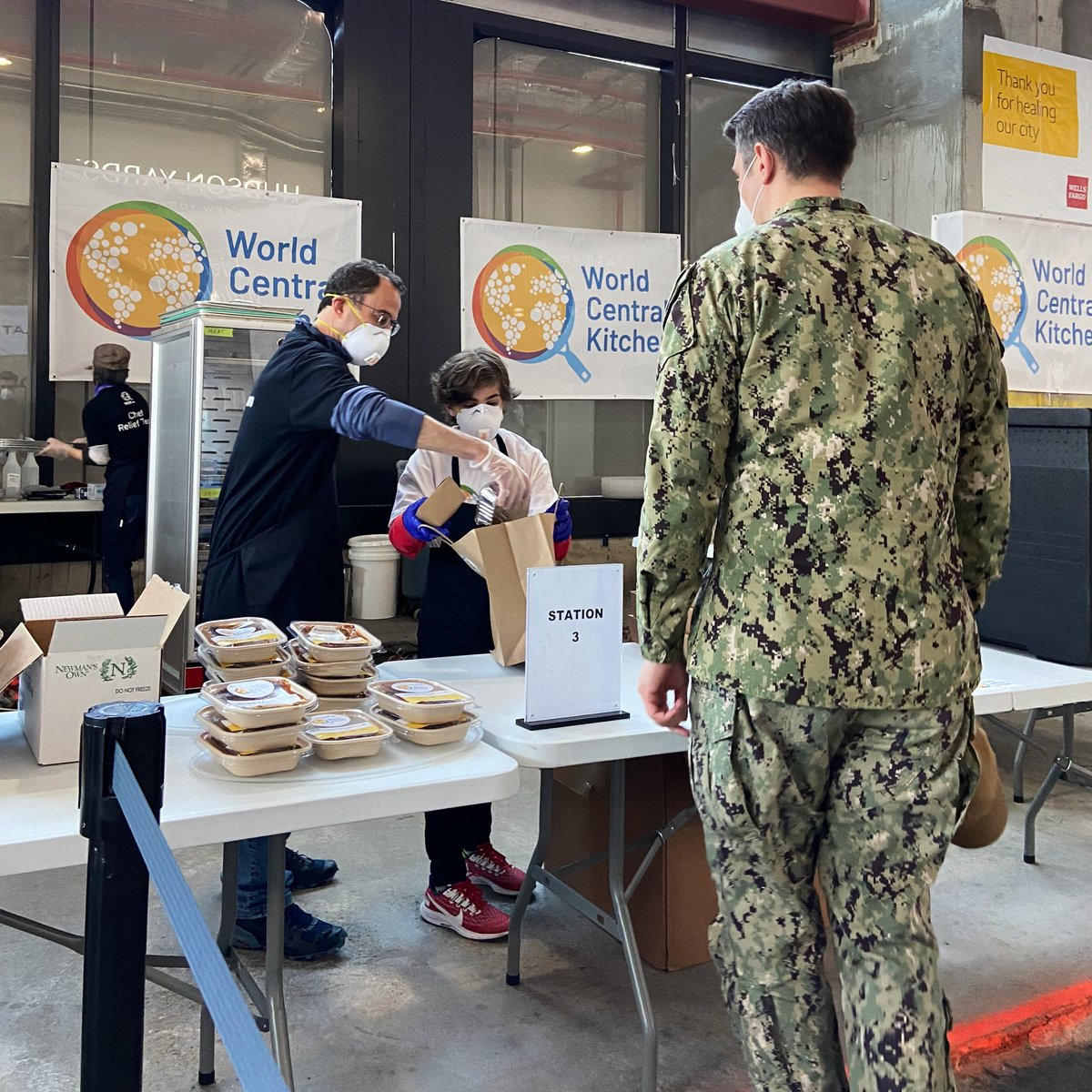 Over $1.5M raised and over 30,000 meals served to our heroes at the @WCKitchen outpost at 55 Hudson Yards. Help us continue to feed our heroes by supporting HY❤️WCK at bit.ly/ReliefOnTheHud…