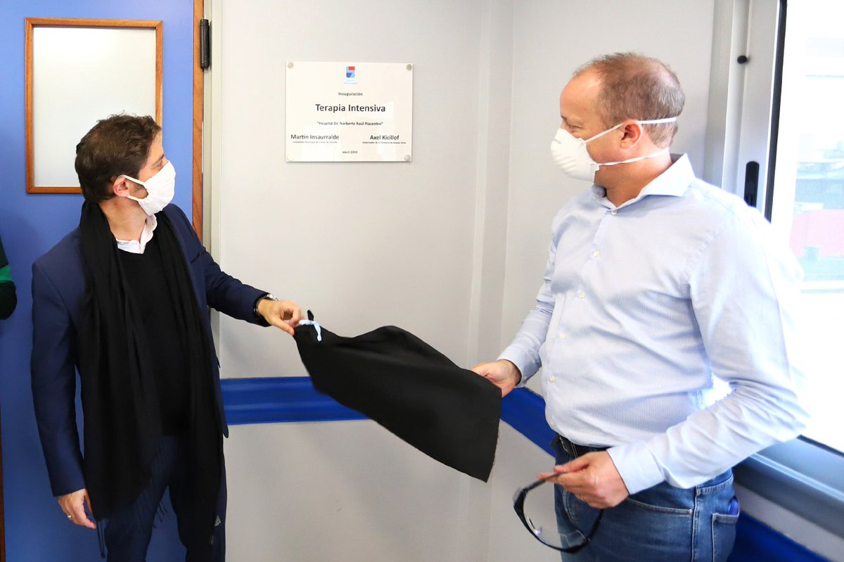 El gobernador @Kicillofok, junto al intendente @minsaurralde, inauguró una sala de terapia intensiva de alta complejidad para pacientes con #Coronavirus, en el Hospital Piacentini de Llavallol, en #LomasDeZamora. pic.twitter.com/klhDDDzcHN