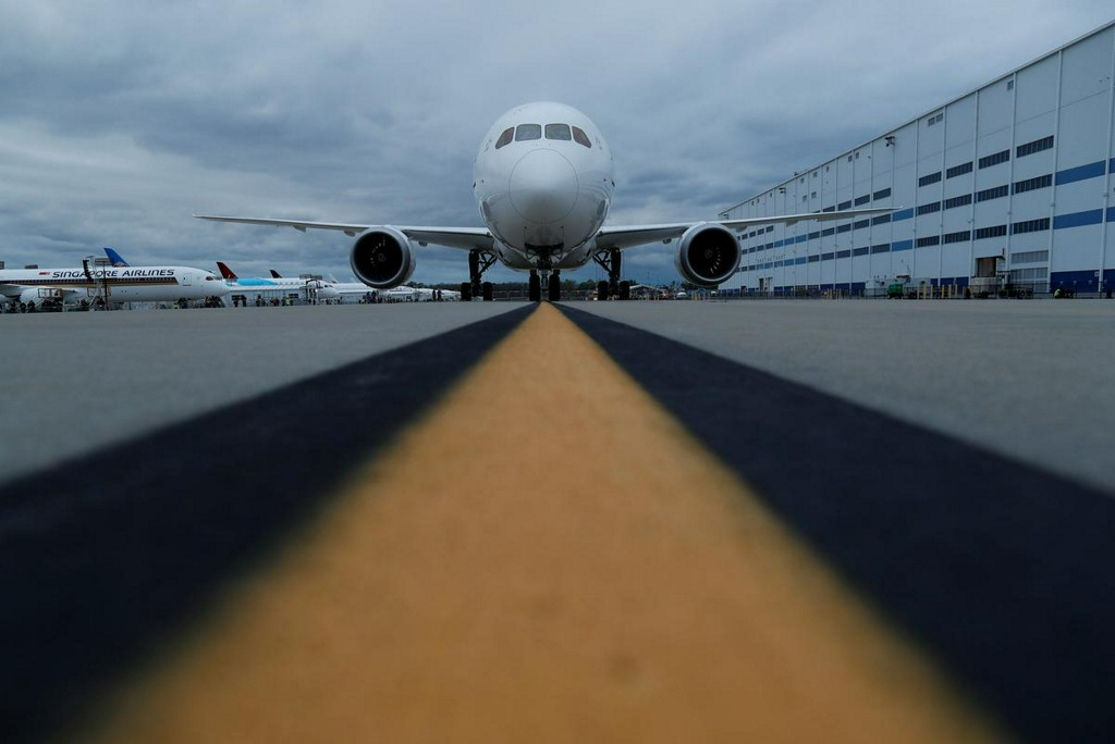 Boeing plans to cut 787 Dreamliner output, jobs: Bloomberg News https://t.co/uH4rFaYOCl https://t.co/KmdAZCPhOC