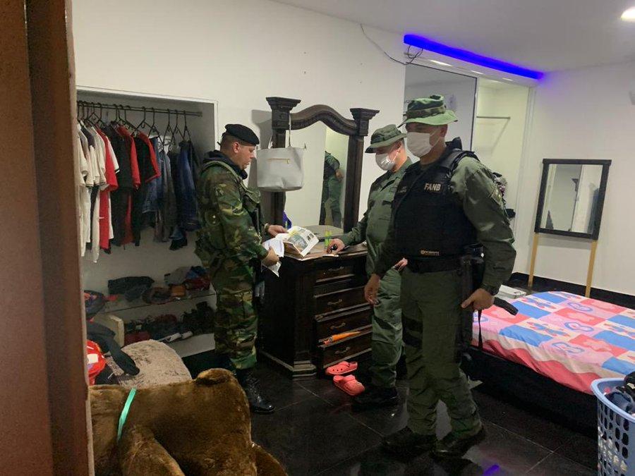 Tag rastrojos en El Foro Militar de Venezuela  EWVS-m6WkAEEA0i?format=jpg&name=900x900