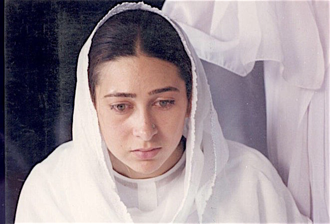 """khalid mohamed on Twitter: """"FIZA streaming on NETFLIX...do have a look. N can say without any doubt that Karisma Kapoor is the best actor I've ever worked with. Spontaneous , she wld"""