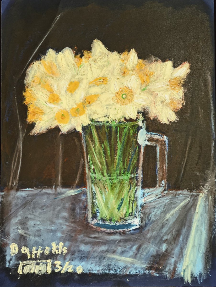Spring Daffodils - still life with oil pastels #art #painting #flowers #daffodils #spring #springtime #oilpastel #creativitypic.twitter.com/D6LhXkUxqT