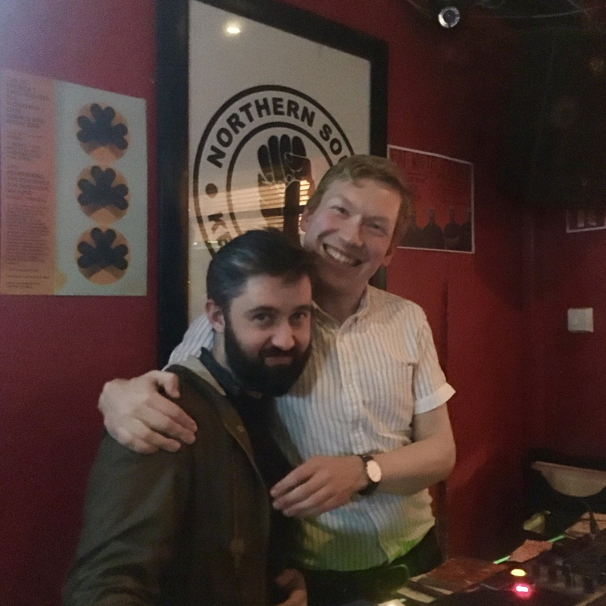 It's Thursday so here's a #tbt of happier days with my great friend Petey T (c/o Singles Bar) at the ever-missed @garagebardublin — we'll all be buzzin again soon ❤️ https://t.co/pQZiyY6DPy