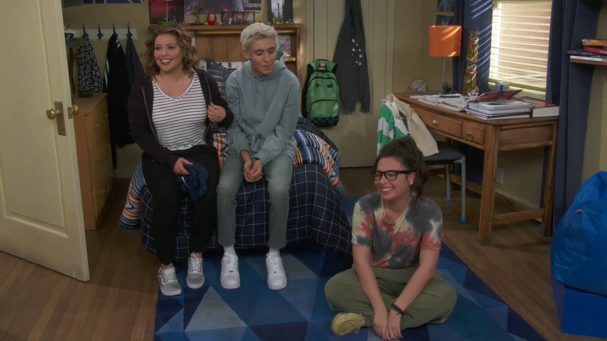 Honestly, @Isabella_Gomez in this #ODAAT blooper is the most relatable thing I've ever seen.