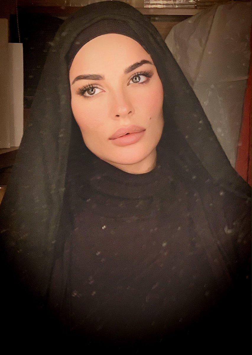 Nadine Nassib Njeim On Twitter رمضان كريم شهر مبارك عليكم