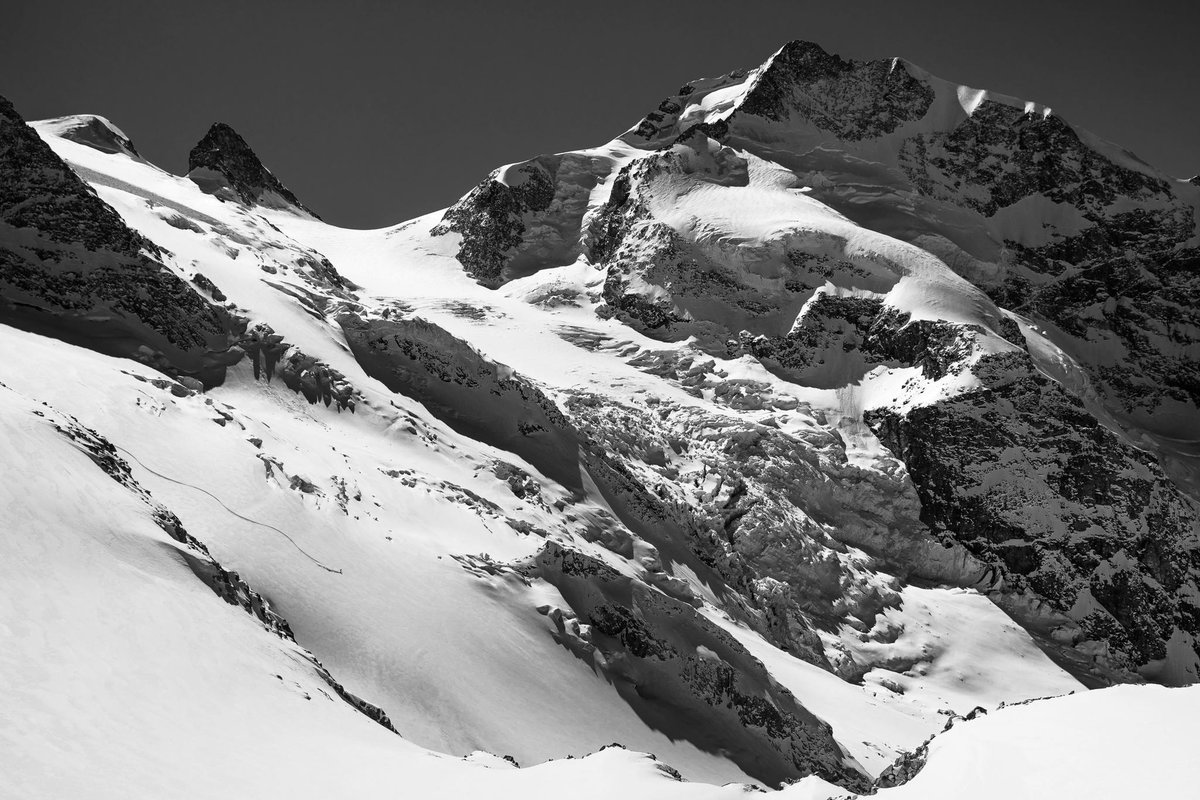 Meanwhile we get to dream a little. Thanks to these guys. Here's a throw back to our winter 2020 on the Morteratsch glacier.  Photo: Javier Govetto Rider: Lucas Swieykowski https://t.co/YNzbV6jkgs