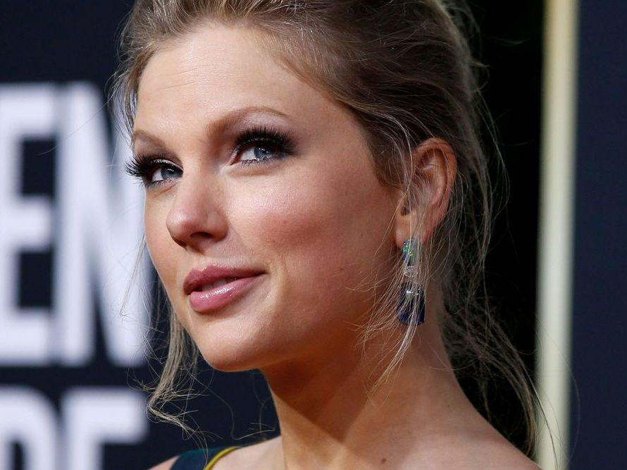 "Toronto Sun on Twitter: ""Taylor Swift attacks ex-record label ..."
