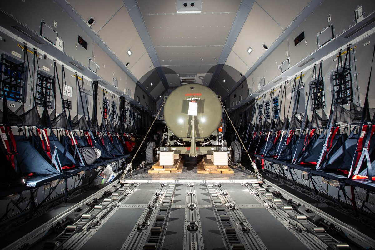 An RAF Atlas (A400m) has delivered essential equipment to the Falkland Islands to enable the construction of an oxygen generation plant to supply the King Edward Memorial Hospital in the capital Stanley #InThisTogether #StayHomeSaveLives https://t.co/Dz8GORFv2A