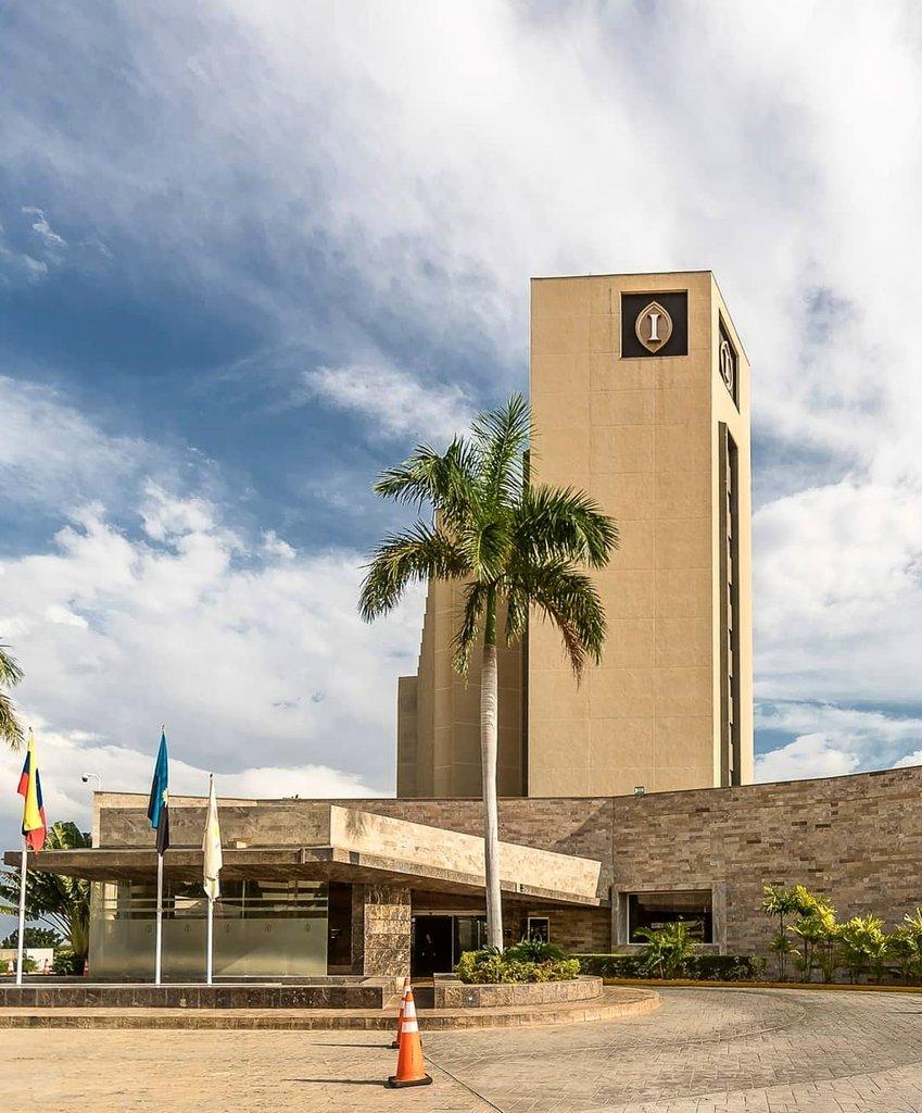 Que todo lo BUENO  te siga, te encuentre y se quede contigo 💕 . . . #InterContinental #Maracaibo #IHG #Hotels https://t.co/yOfF9xqYUp