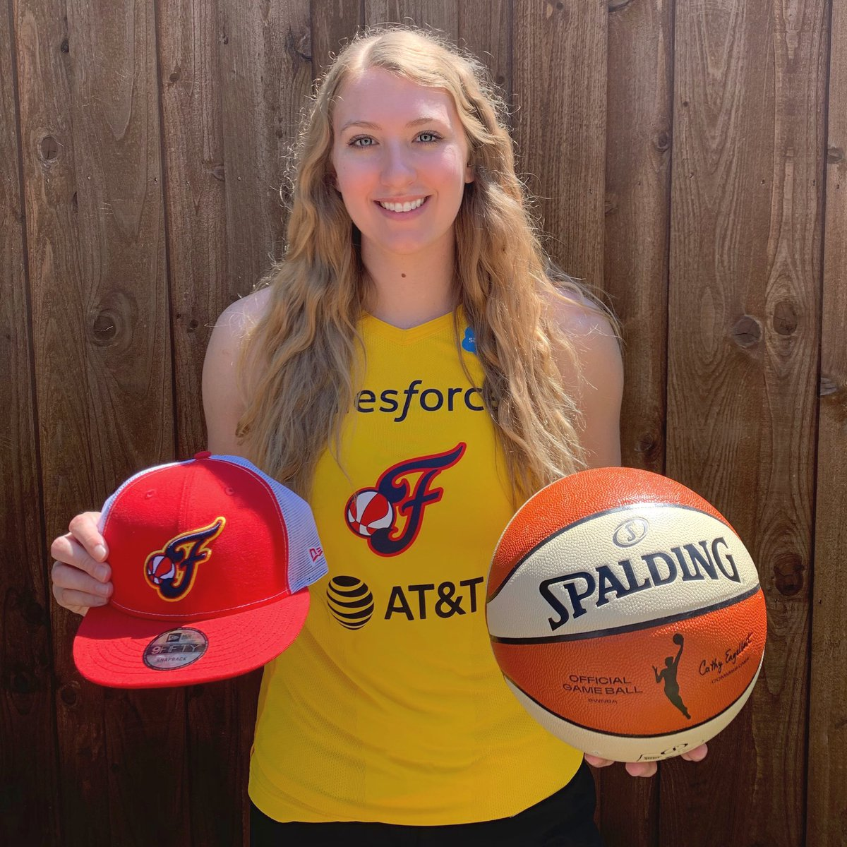 I can't wait to start this next chapter of my life! Go Fever!💛 #WNBA #IndianaFever https://t.co/7CqnK1QATB