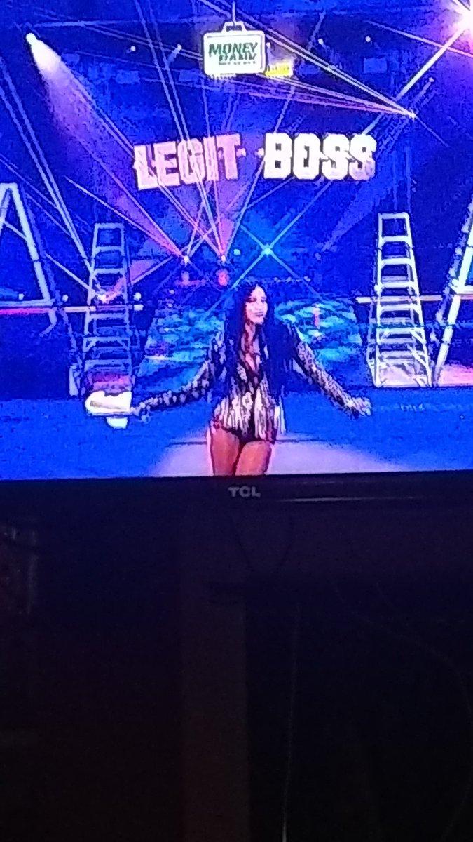 #Smackdownu u know wat time it is yeah u know is LeGIT Boss Time on SmackDown @SashaBanksWWE https://t.co/lZuK6II1Lz